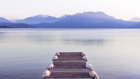Пристань, море, горы, берег