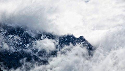 Горы, облака, туман