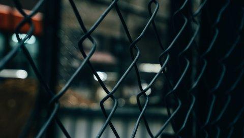 Металлическая решетка, забор, размытие