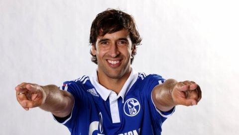 Raul gonzalez, настоящий мадрид, футбол