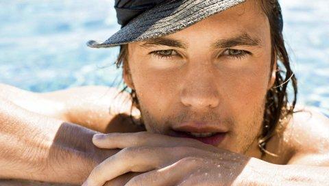 Тейлор китч, актер, плавательный бассейн, шляпа