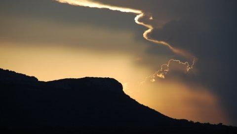 Небо, вечер, облака, горы