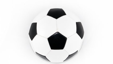 Футбольный мяч, белый фон, спорт