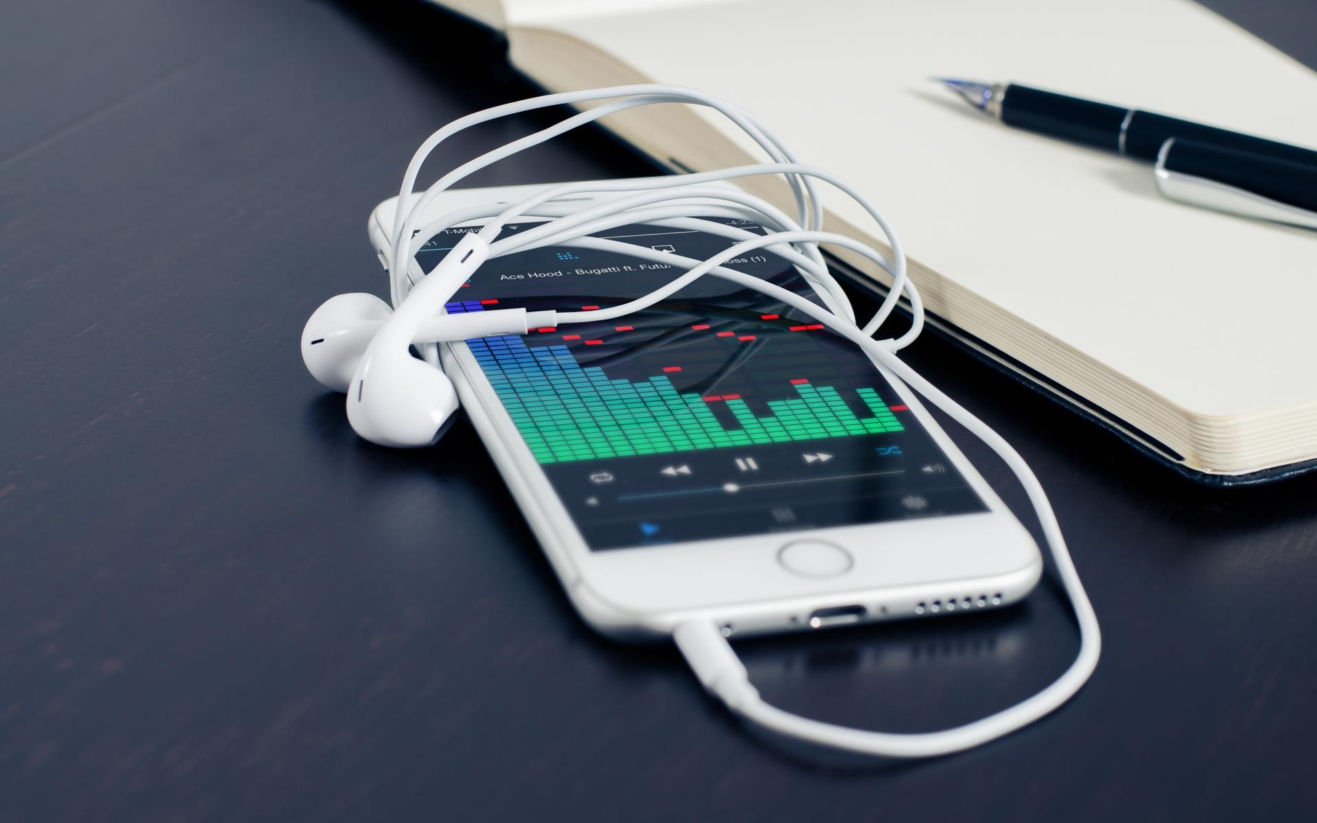 Картинки Iphone, apple, iphone 6, наушники, ноутбук, ручка фото и обои на рабочий стол