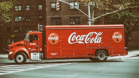 Кока-кола, грузовик, город