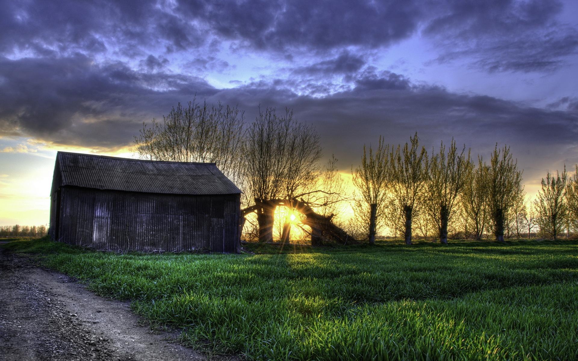Картинки поле, трава, ночь, сарай, HDR фото и обои на рабочий стол