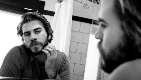 Liam hemsworth, актер, зеркало, щетина, bw