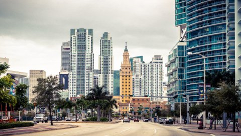 майами, штат Флорида, США, небоскреб, улица