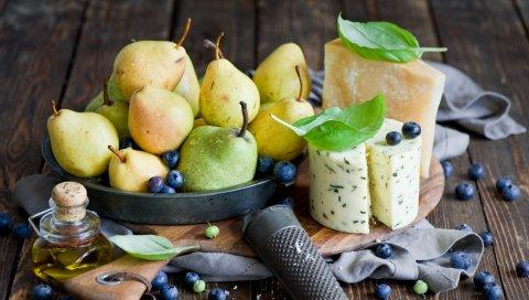 груша, сыр, ягоды, черника, натюрморт