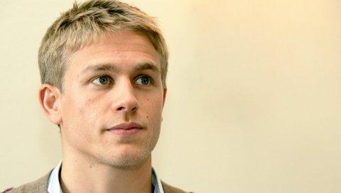 Charlie hunnam, актер, глаза, светлые волосы, улыбка