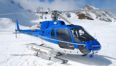 Вертолет, снег, горы, небо