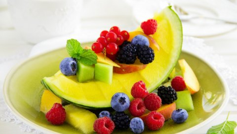фруктов , ягоды, малина, ежевика, смородина, черника, персики