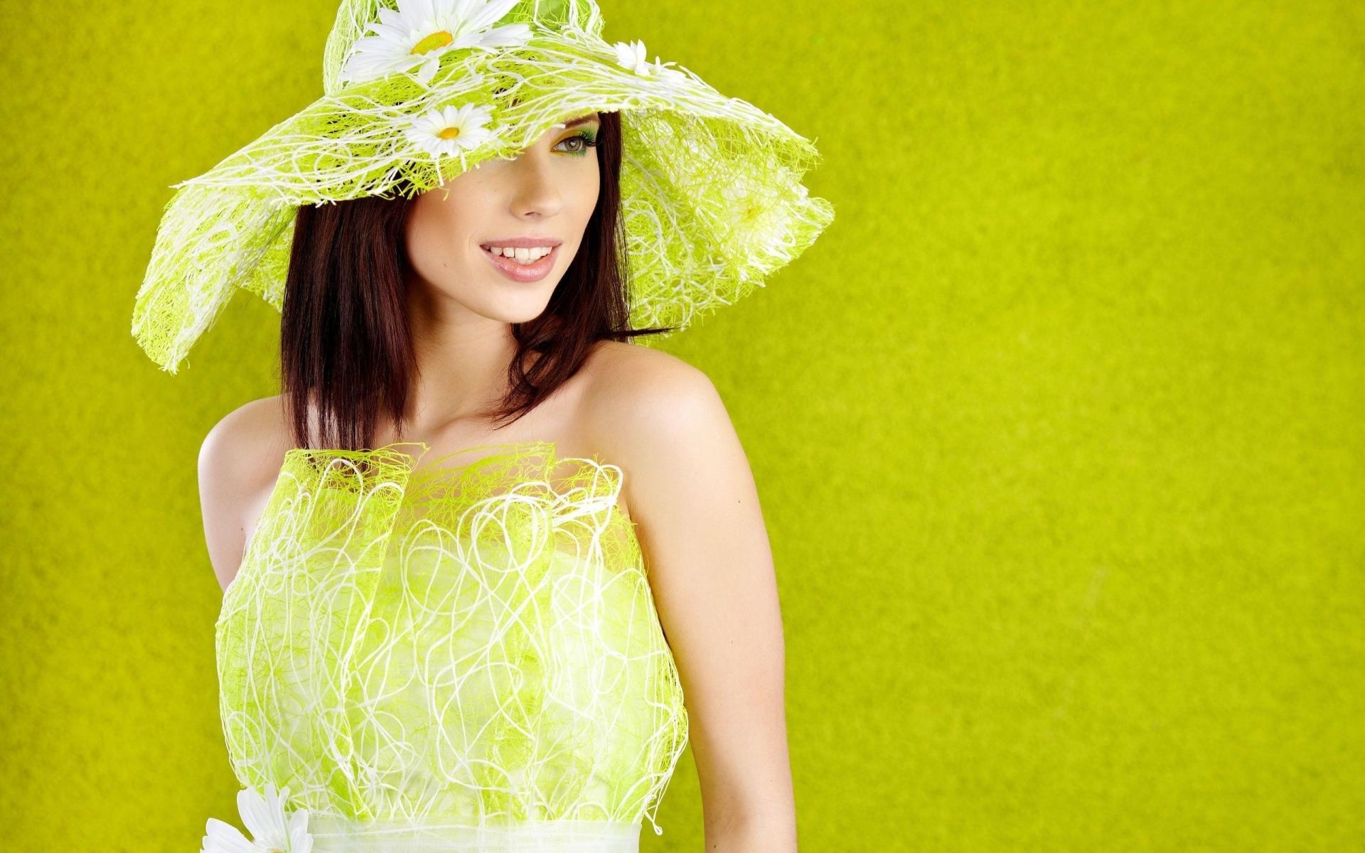 Картинки брюнетка, шляпа, девушка, платье фото и обои на рабочий стол