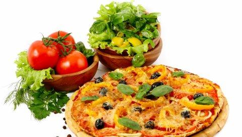 Пицца, помидоры, овощи, мясо