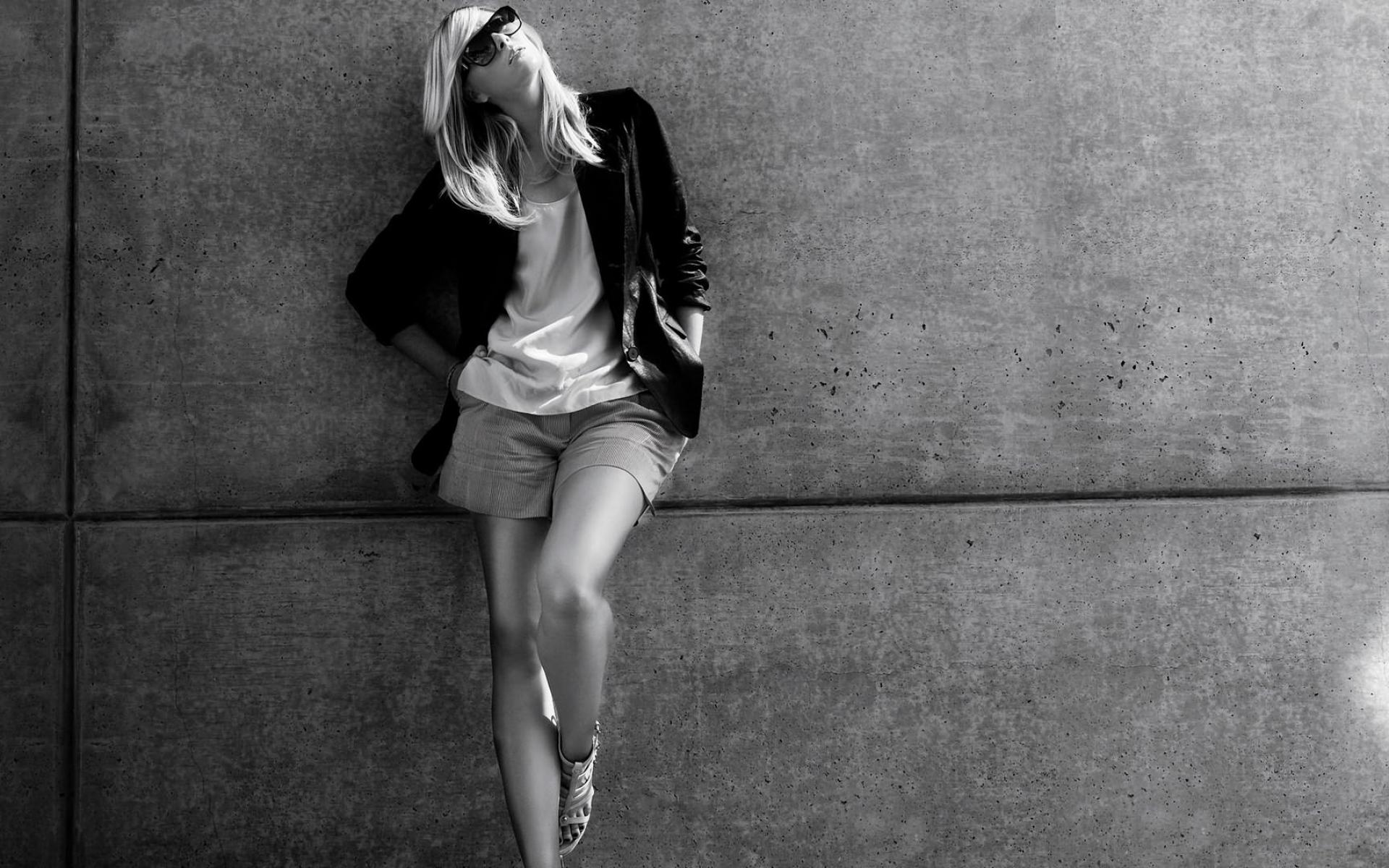 Картинки Девушка, модель, фотосессия, черно-белый фото и обои на рабочий стол