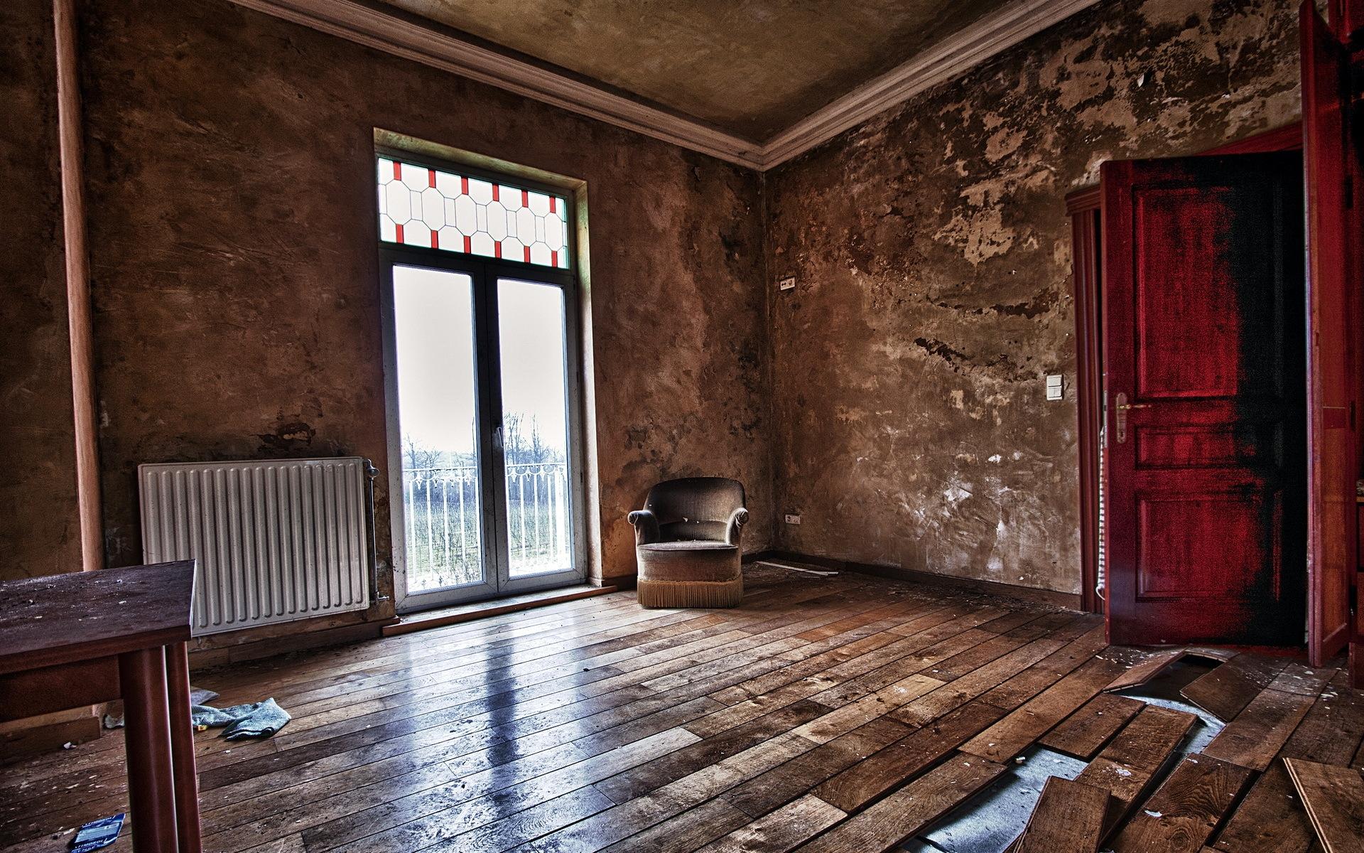 одно стены комнат убраны были несколькими картинками и картинками в старинных этом разделе
