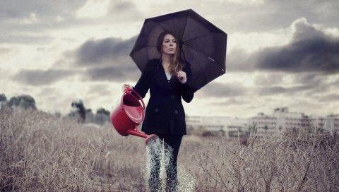 Девушка, дождь, полив, ходьба, трава