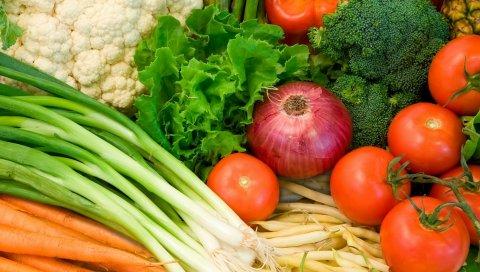 зелень, помидоры, лук, морковь ,