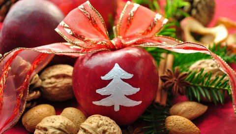 новый год, праздник, стол, яблоки, ленты, лук, украшение, грецкие орехи, хвоя, сосновые шишки, корица