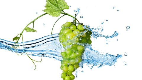 Ягоды, гроздь, брызги воды, виноград