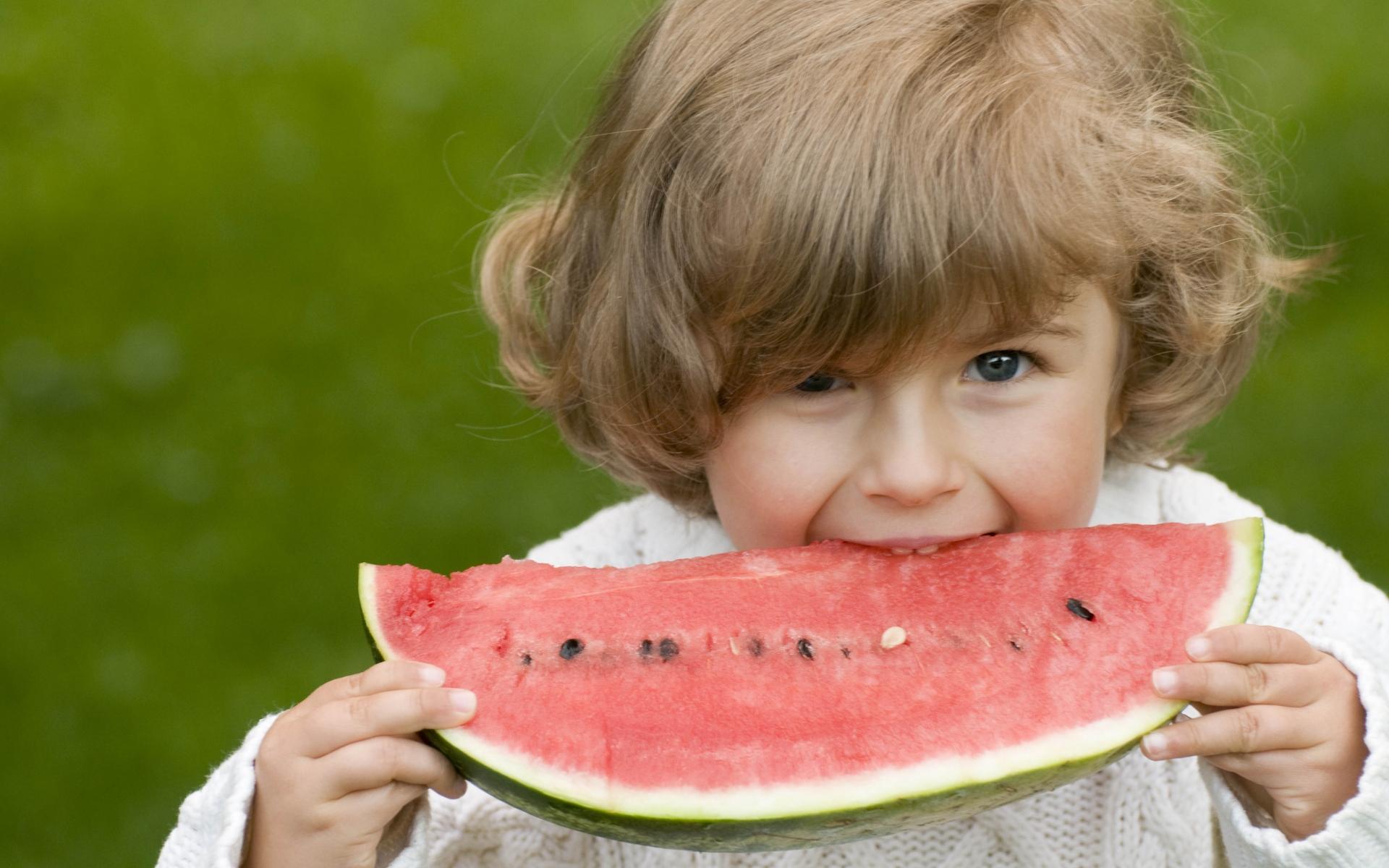 Для открытки, прикольные картинки дети с фруктами