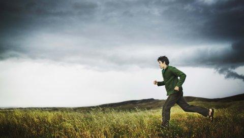 поля, спорт, бег, шторм, облака, человек