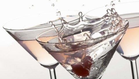 мартини, белый фон, брызги, пить
