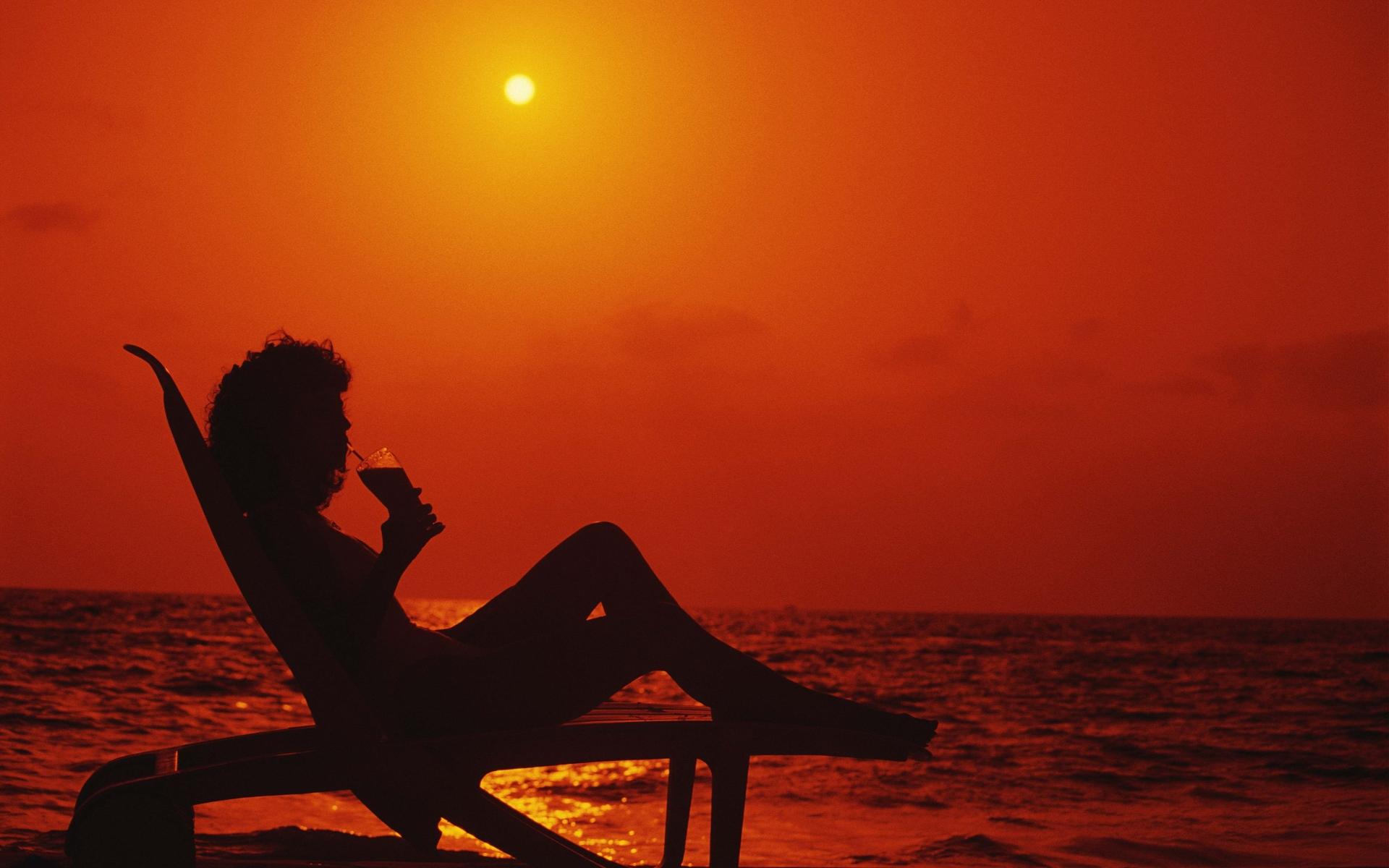 быстро женщины на пляже с солнцем ночью любительские фото полежав