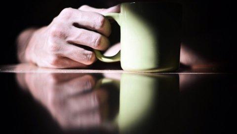 Стол, рука, чашка, поверхность, отражение