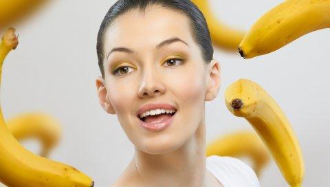 девушка, бананы, невесомость, серый фон, фрукты