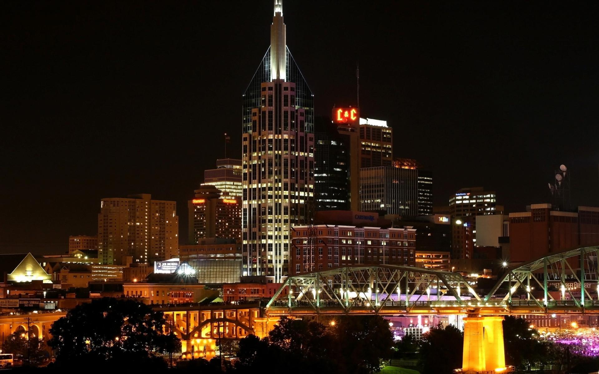 Картинки города, США, Nashville Теннеси, ночь, город, здания, небоскребы, огни, деревья, мосты фото и обои на рабочий стол