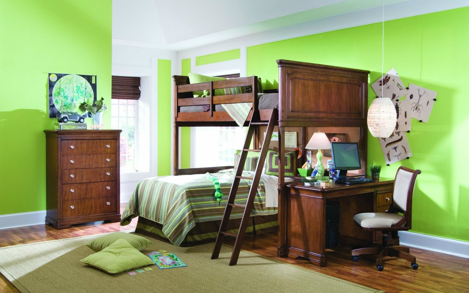 Картинки интерьер, комната, квартира,кухня, кровать, стол, стул, компьютер, лампа, подушки, зеркало, ковры, зеленый фото и обои на рабочий стол