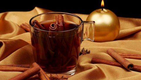 Чай, корицы, чашки, стекла, свечи, ткани, золота