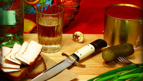нож, стекло, бутылка, граненый, хлеб, сало, огурцы, тушить, значок, звезда
