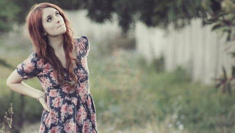 Девушка, платье, улица, трава, модель
