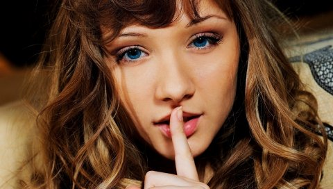 Девушка, рука, голубые глаза, жест