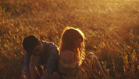Девушка, мальчик, трава, солнечный свет