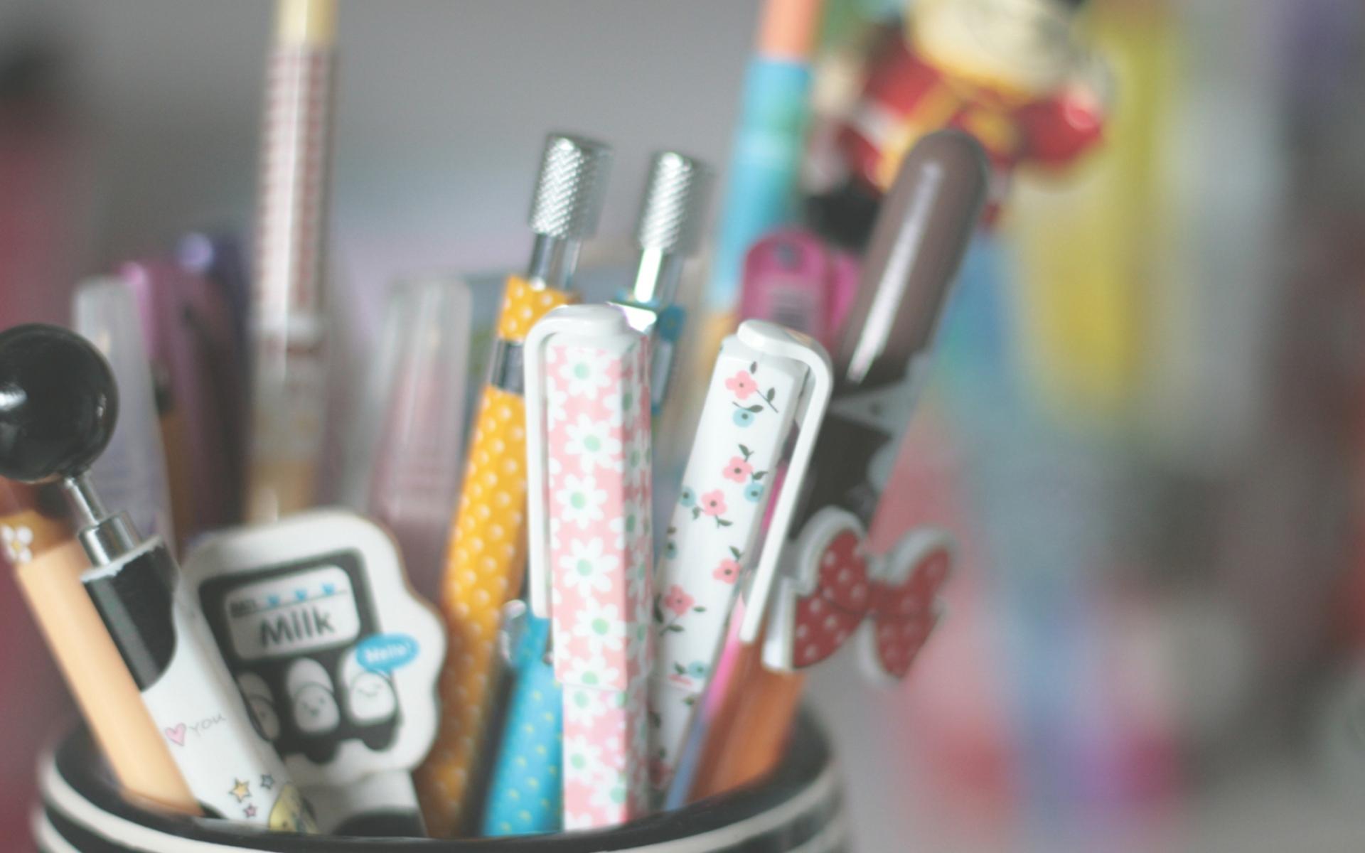 называют чуть картинки на рабочий стол ручки материал, который