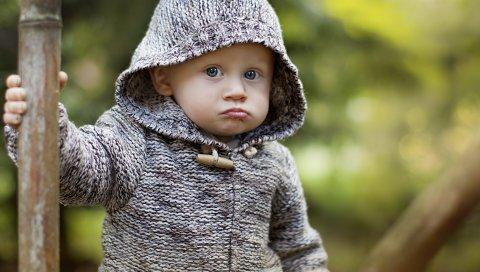 Ребенок, капюшон, гримаса, недовольство