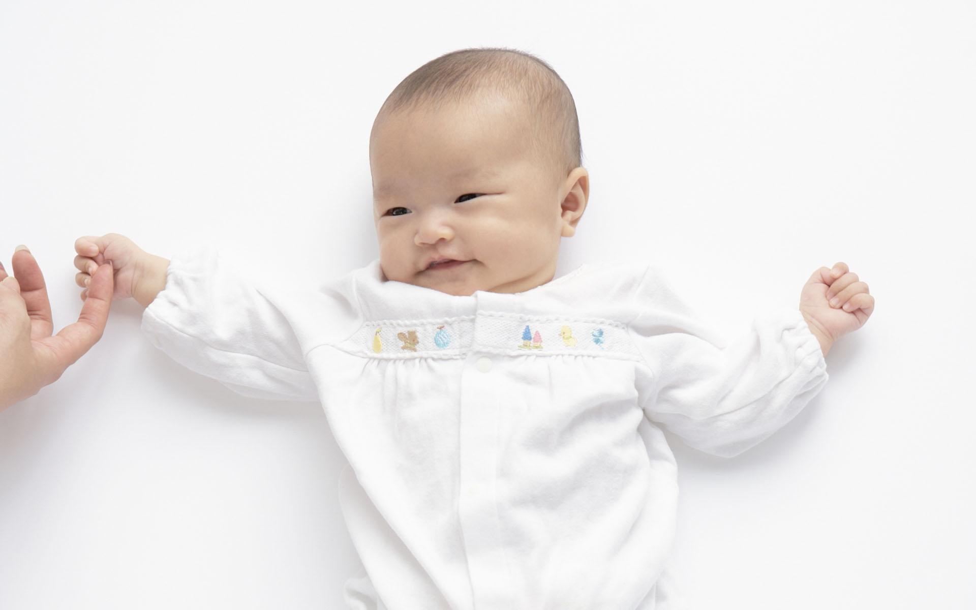 Картинки Ребенок, игра, детская одежда, рука фото и обои на рабочий стол