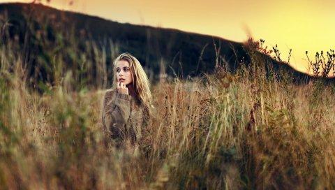 Девушка, трава, поле, прогулка, небо