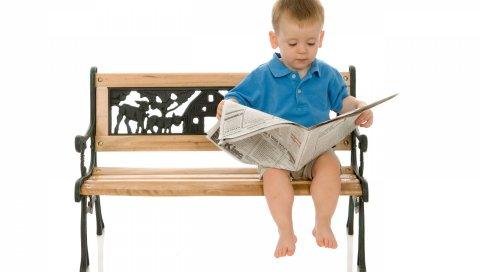 ребенок, мальчик, скамейки, газеты, чтение