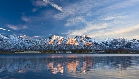 горы, озеро, облака, свет, небо, рябь, поверхность воды, свежесть, топов, хребтом, полосы, следы