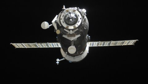 Грузовой космический корабль, космос, полет