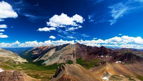 Горы, ярко, низменность, высота, низ, облака, небо, свобода, свежесть