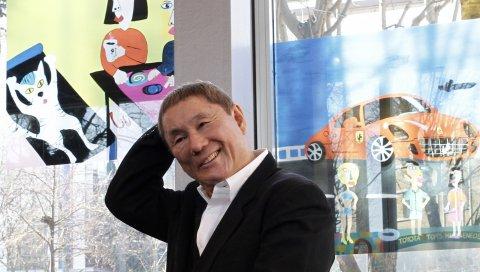 Takehi kitano, знаменитость, плакаты, стекло, куртка, рубашка, улыбка