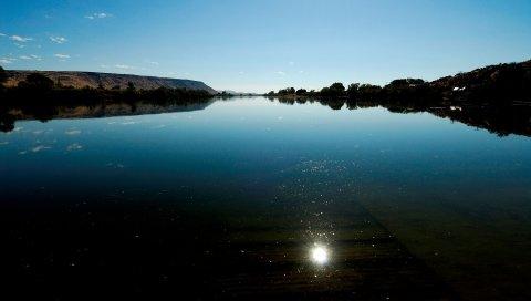 Озеро, отражение, блеск