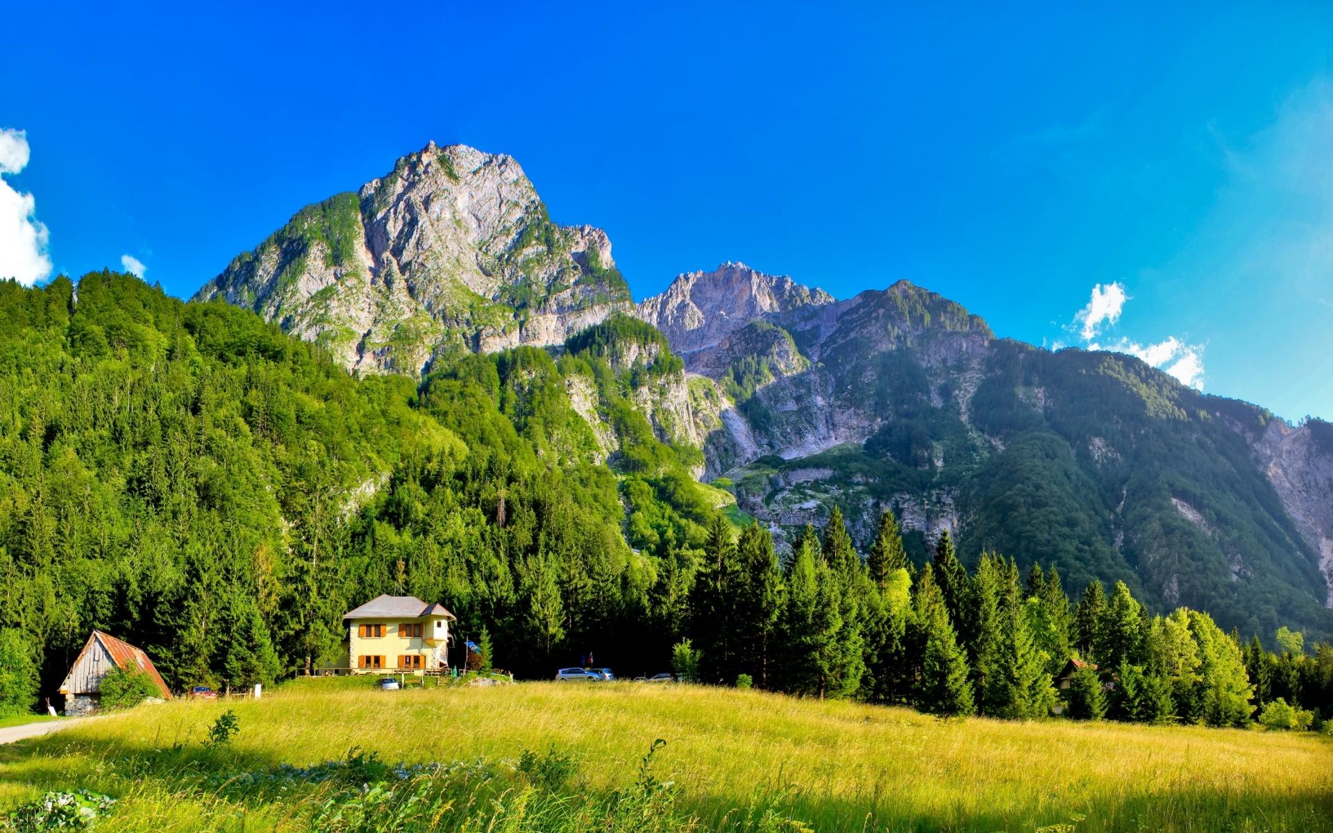 Картинки Словения, горы, домики, луг, зеленый, ярко, небо, синий, ясно фото и обои на рабочий стол