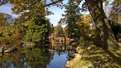 Мост, арка, пруд, деревья, берег, камни, тени