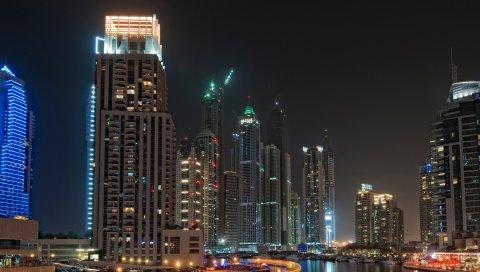 Дубай, небоскребы, лодки, пирс